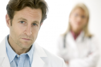 Przed wizytą sprawdź lekarza!